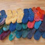 Pletené věci z Lukavce pro děti na Ukrajině