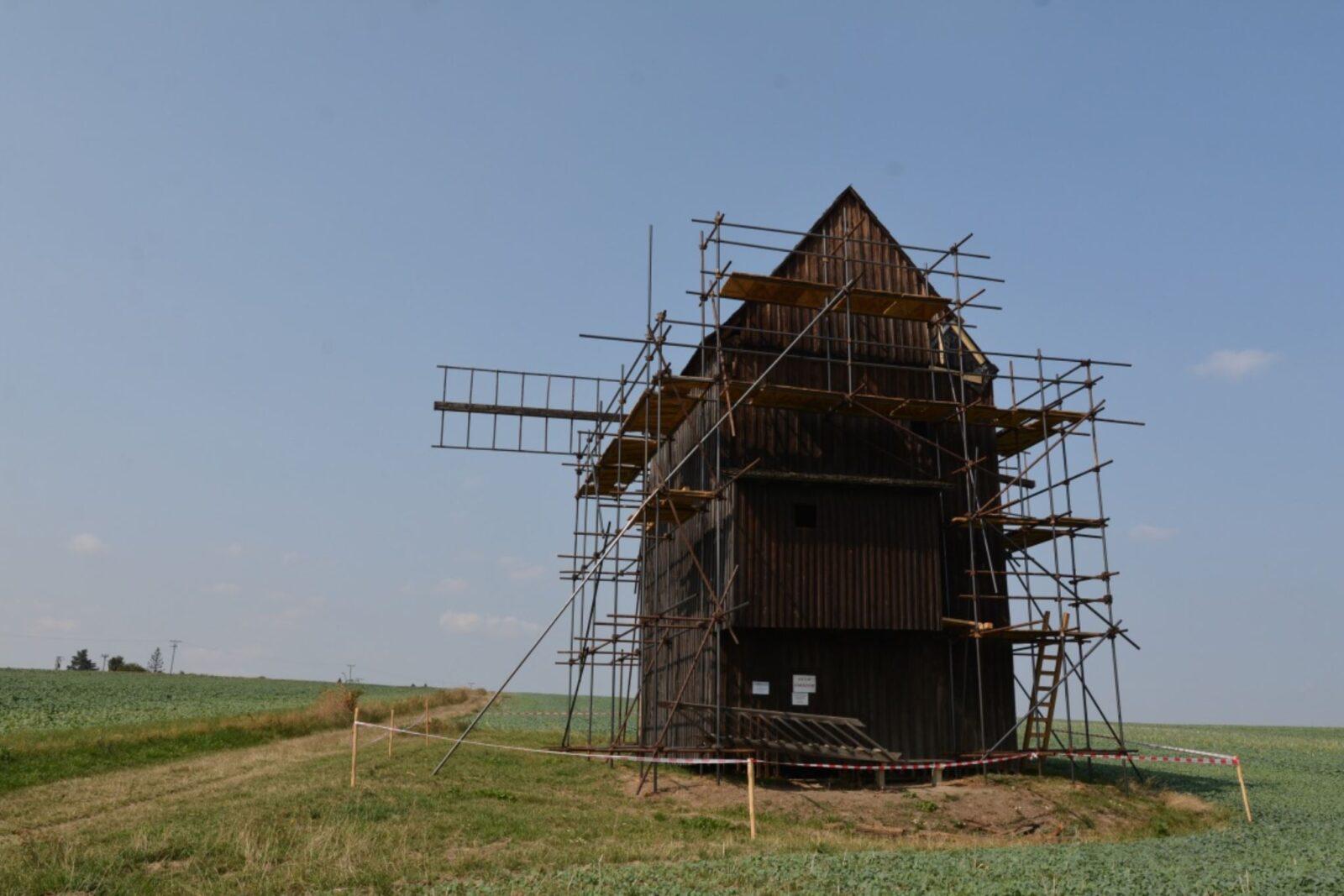 Větrný mlýn Nové Dvory, 29. 8. 2018, zdroj: www.bilovec.cz