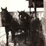 Dědeček na dvoře pivovaru (cca 50. léta 20. stol.), zdroj: Štěpán Šimečka